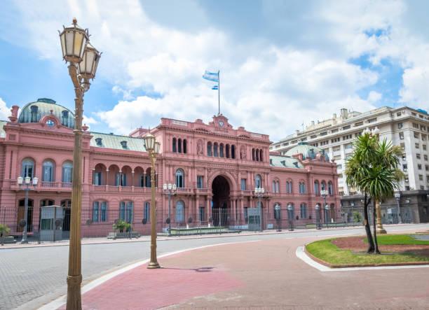Casa Rosada (Pink House), Argentinian Presidential Palace - Buenos Aires, Argentina Casa Rosada (Pink House), Argentinian Presidential Palace - Buenos Aires, Argentina buenos aires stock pictures, royalty-free photos & images