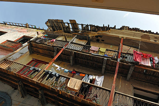 casco viejo balkone - hajohoos stock-fotos und bilder