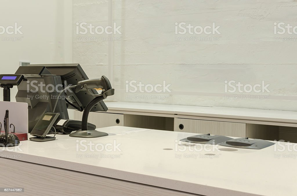cash register in a big store foto royalty-free