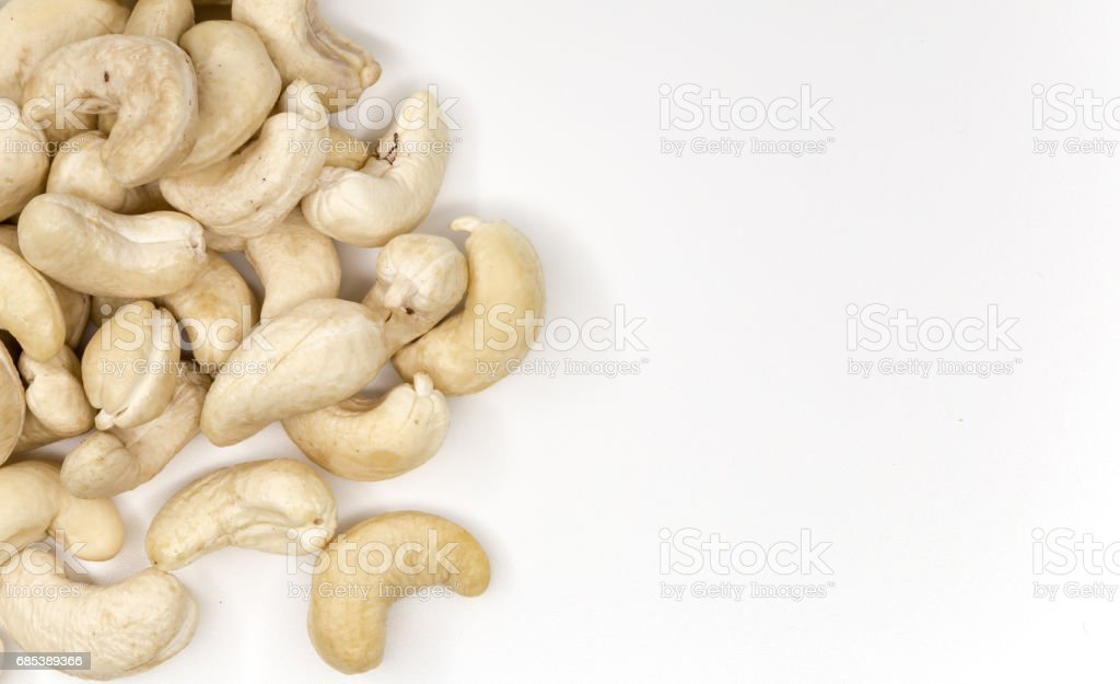 cashew nuts close up on white background foto de stock royalty-free