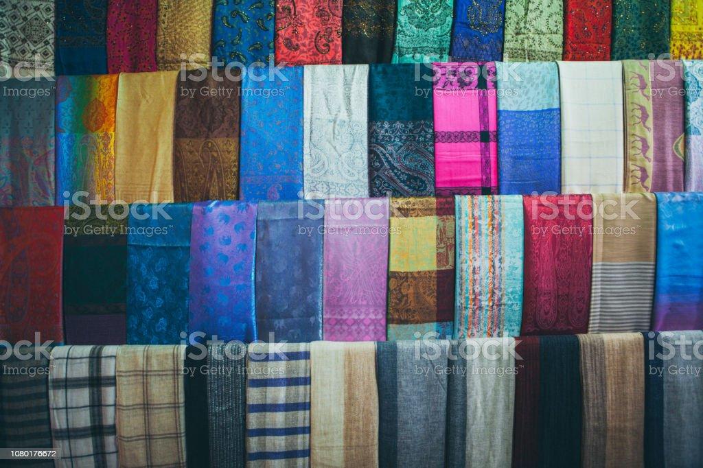 competitive price dc2b9 80b3b Photo libre de droit de Foulards Laine Cachemire Et Wraps ...