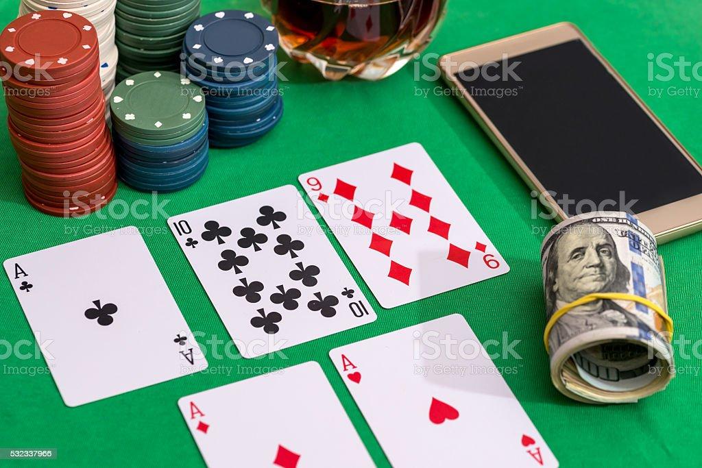 азартные игры на деньги для телефоне