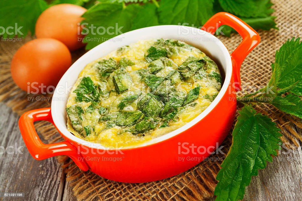 Casserole with nettle foto stock royalty-free