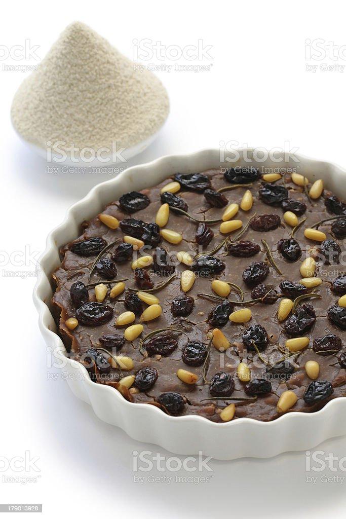 castagnaccio, farina di castagne royalty-free stock photo