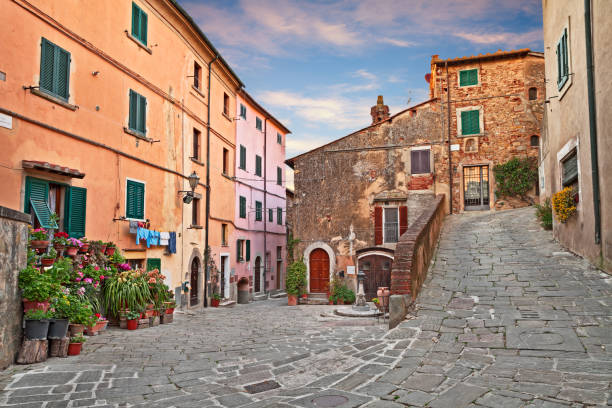 Castagneto Carducci, Leghorn, Tuscany, Italy: picturesque corner of the village where he lived the poet Giosue Carducci - foto stock