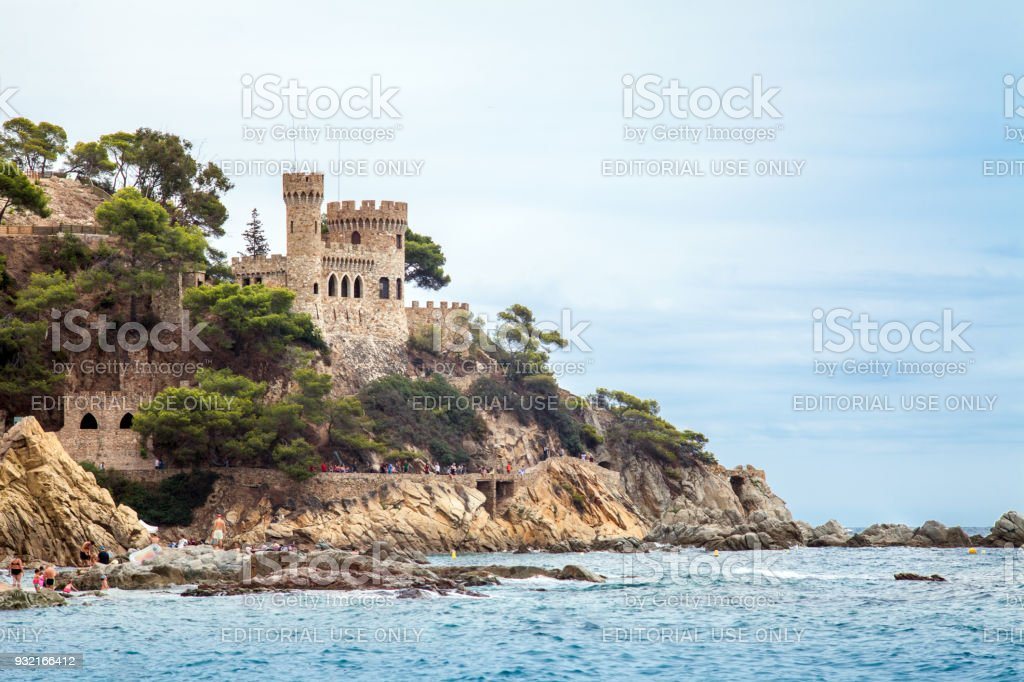 Castell d'en Plaja on the Costa Brava in Lloret de Mar, Spain. View of the Balearic Sea and the rocky coast. Popular tourist destination in Spain. – zdjęcie