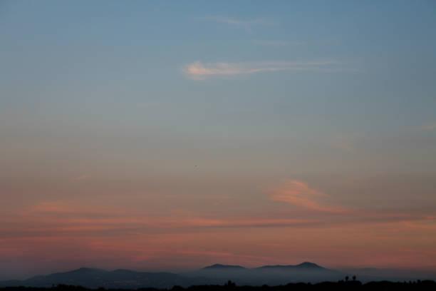 castelli romani at dusk - roma foto e immagini stock