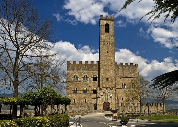 Castello di Poppi Castello di Poppi (AR) arezzo stock pictures, royalty-free photos & images