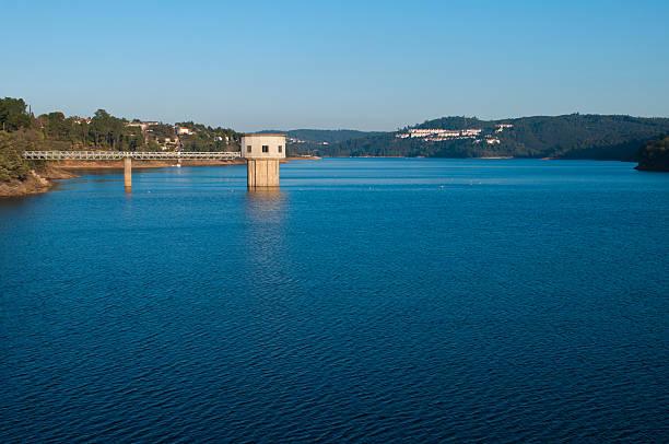 castelo de bode dam - barragem portugal imagens e fotografias de stock