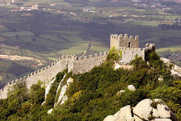 dos mouros castelo - ムーア様式 ストックフォトと画像