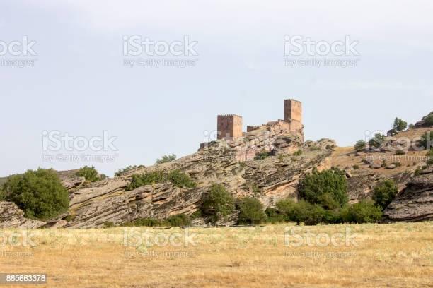 Castillo de zafra spain picture id865663378?b=1&k=6&m=865663378&s=612x612&h=7ya6anpuzlnx2plmxoaq3wt60ypjvw5g2qho8dfmm7k=