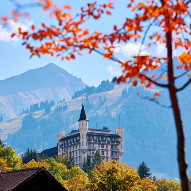 burg, gstaad, schweiz - hotel bern stock-fotos und bilder