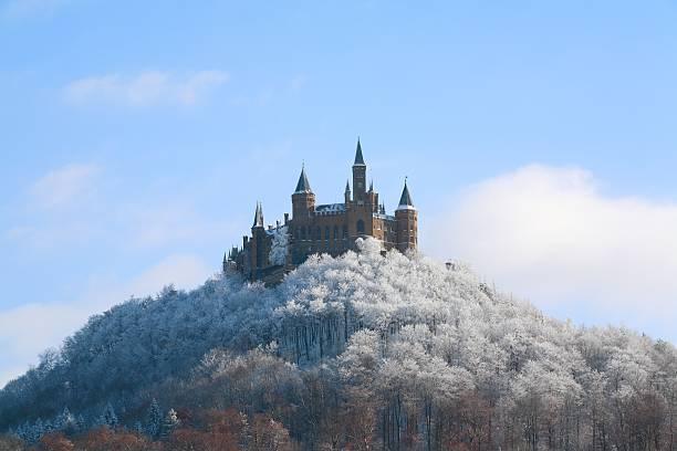 Castle hohenzollern wintertime bottom picture id106559601?b=1&k=6&m=106559601&s=612x612&w=0&h=81owsnhuhagqwtijf4lu6zhq99n6gsdcxjvbbca48ti=