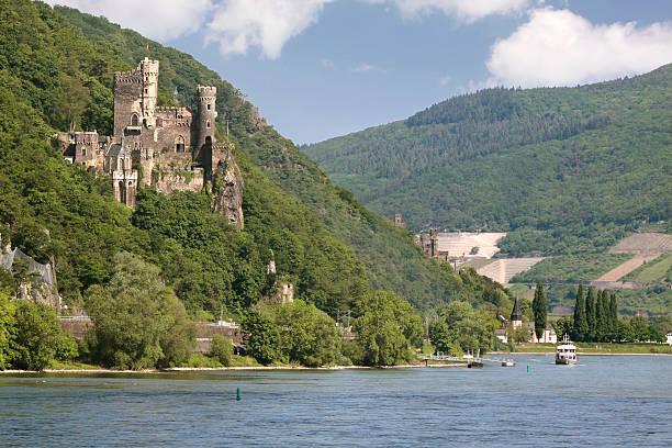 castle reichenstein (middle rheintal) - rhein stock-fotos und bilder