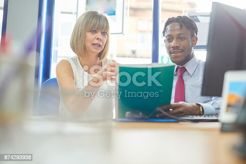 istock Casual business meeting 874293938