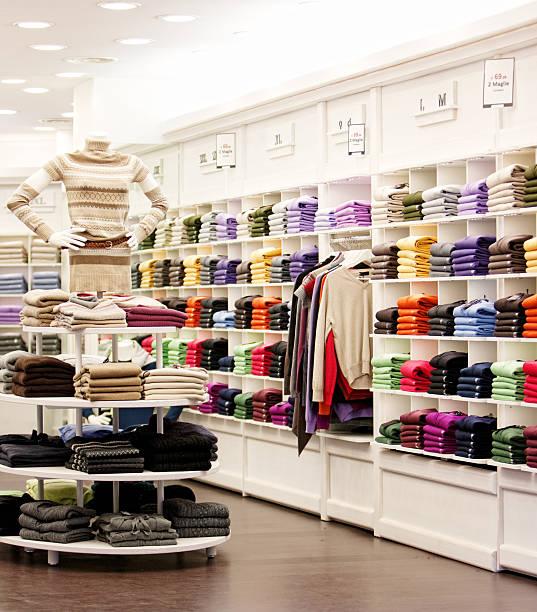 Boutique de vêtements décontractés à Milan, Italie - Photo