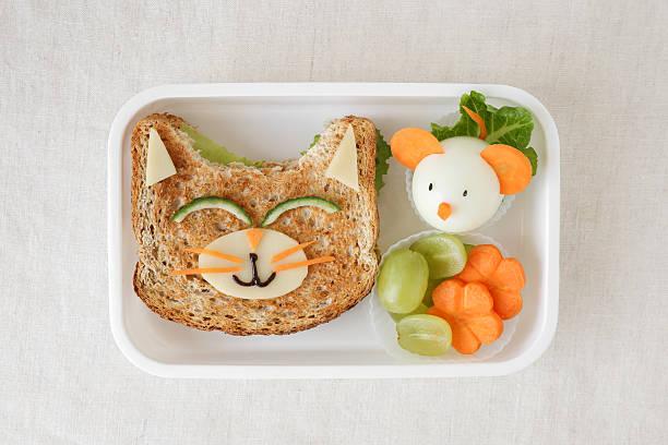 cat and mouse lunch box, fun food art for kids - lunchlåda bildbanksfoton och bilder