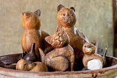 Cat doll made of wood There are many beautiful.