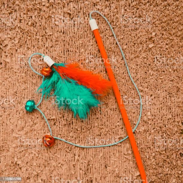 Cat toys on cat scrather background picture id1165635768?b=1&k=6&m=1165635768&s=612x612&h=ljwkl nrmha kxzwsdu7fzlv3kw4zpz1l vwii4rh g=