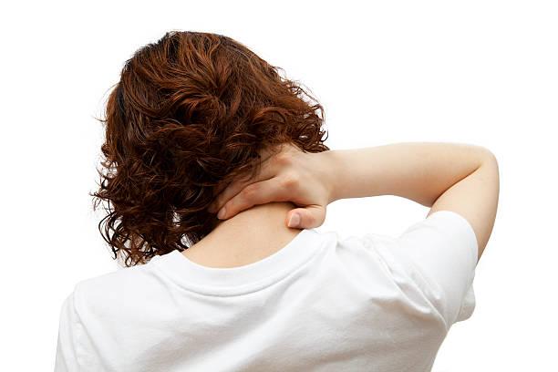 prendere parte posteriore del collo - ernia foto e immagini stock