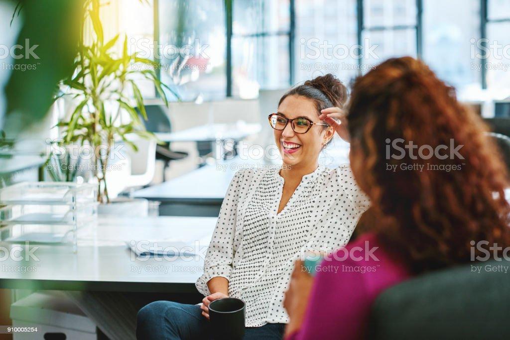 Gespräch mit einem Kollegen – Foto