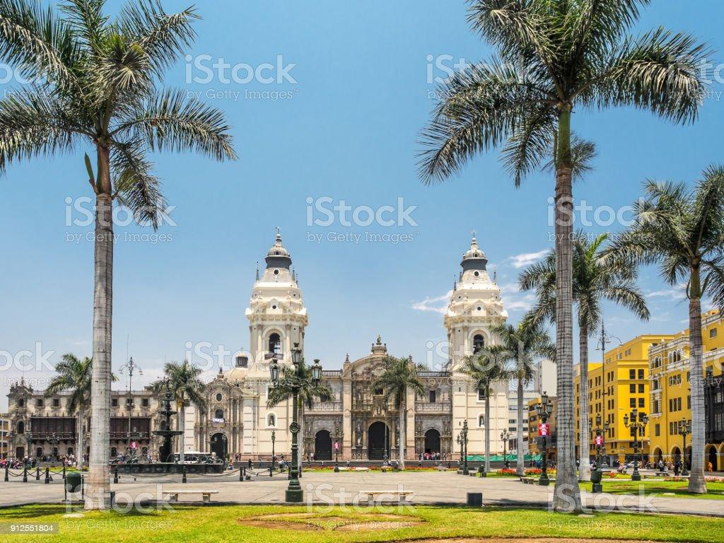 Catedral de Lima und Plaza de Armas, das Wahrzeichen von Peru. – Foto