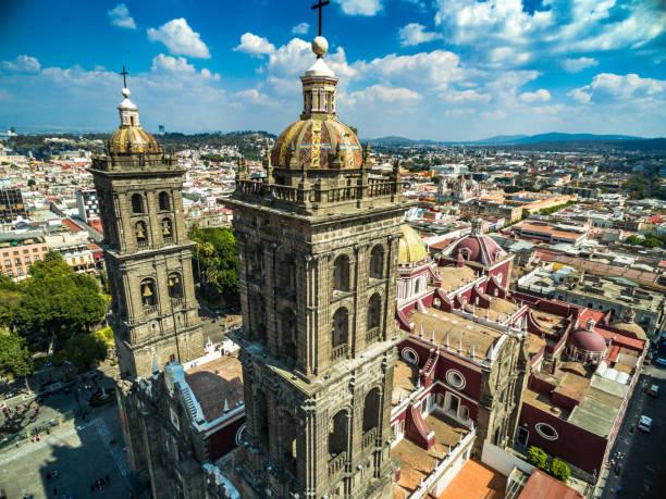 Catedral de Puebla Vista aerea de la catedral de Puebla puebla state stock pictures, royalty-free photos & images