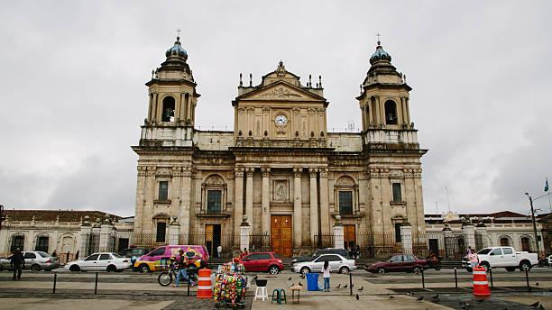 catedral metropolitana in guatemala-stadt - guatemala stadt stock-fotos und bilder