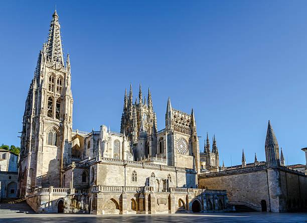 catedral de burgos, españa - burgos fotografías e imágenes de stock