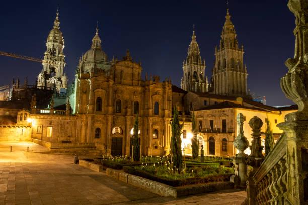 Kathedrale in Santiago de Compostela nach Sonnenuntergang – Foto