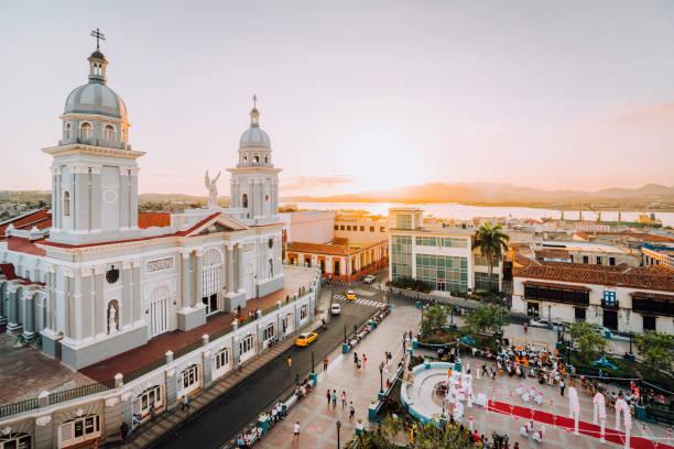 kathedraal van santiago de cuba, cuba - midden amerika stockfoto's en -beelden