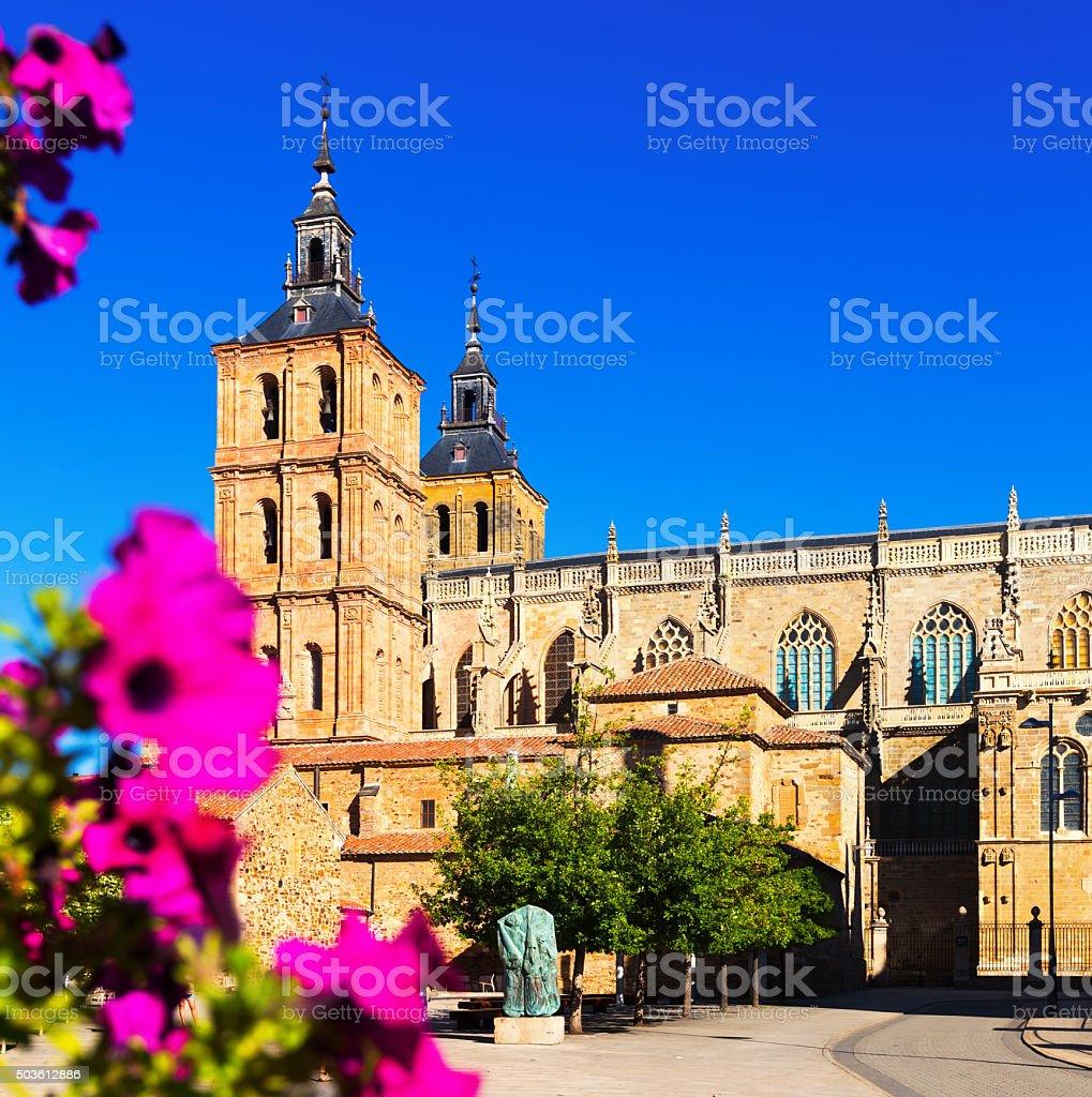 Catedral de Astorga en verano - foto de stock