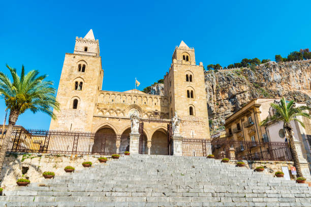 Cathedral of Cefalu in Sicily, Italy - foto stock