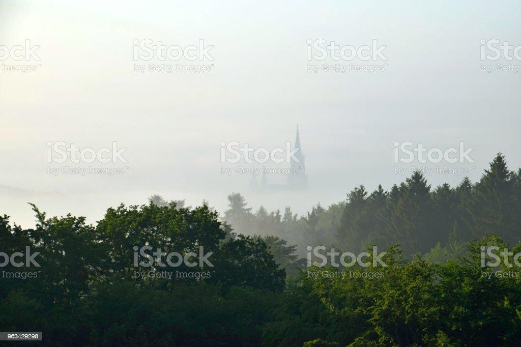 Cathédrale d'Ulm dans le brouillard du matin - Photo de Allemagne libre de droits