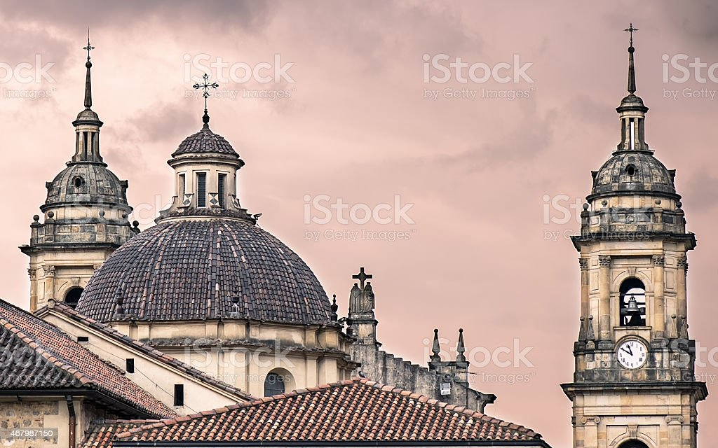 Catedral en la puesta de sol - foto de stock
