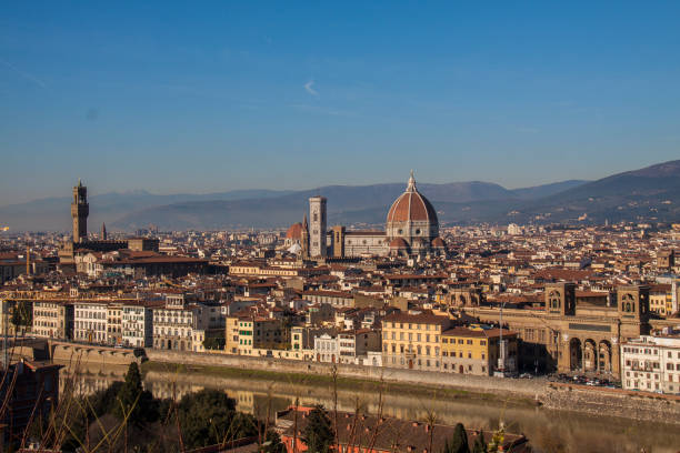 cathedral on the florence city skyline italy - batalina italy стоковые фото и изображения