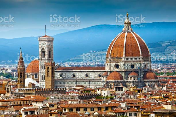 Cathedral santa maria del fiore in florence picture id642451368?b=1&k=6&m=642451368&s=612x612&h=ghzg6owmek4liy9savrdaol3jby5uks2p q9w9ykzxy=