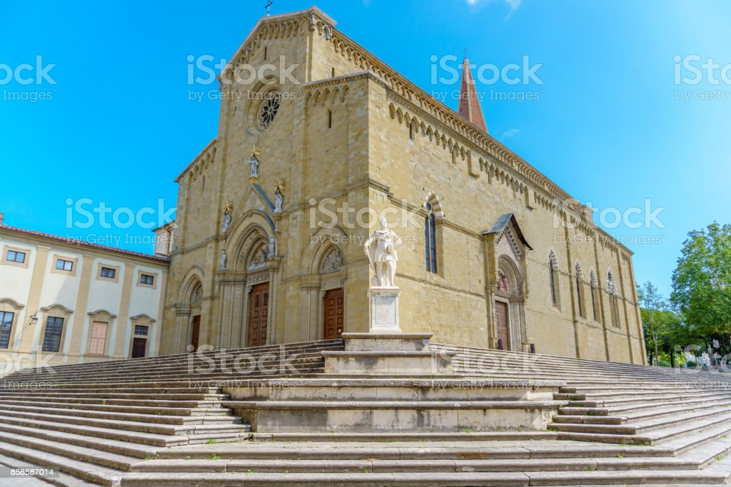 Catholic cathedral in the city of Arezzo Italy - foto stock
