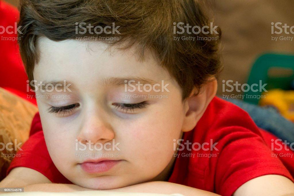 Caucasian Five Year Old Boy - Fotografie stock e altre immagini di 4 ... 6190c2c763fb