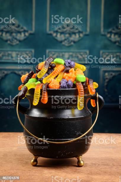 Cauldron of assorted halloween candy picture id862324376?b=1&k=6&m=862324376&s=612x612&h=k5chycbjjle pbjqkplcv2nowa0yeykvf u1wbo1jxs=