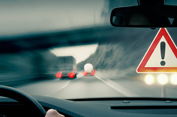 Vorsicht-LKWs überholen alle anderen – Foto