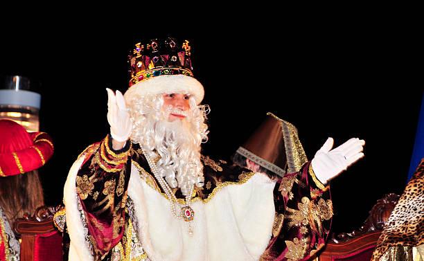 cavalcade de magi em tarragona - reis magos imagens e fotografias de stock