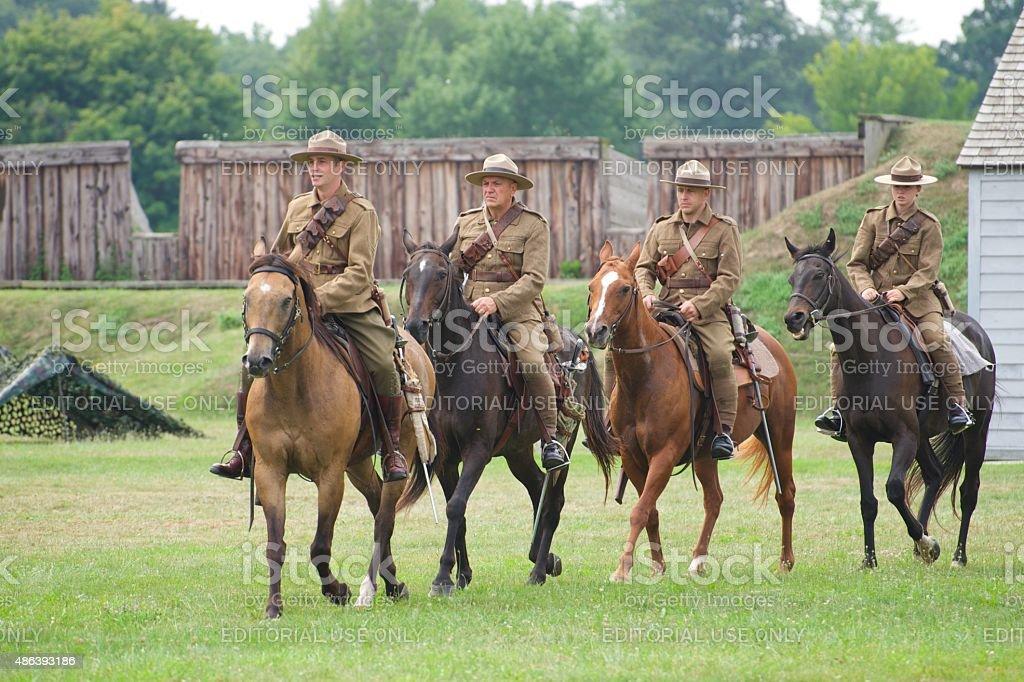 Kavallerie-Demonstration-Militärtaschen Fort George Park – Foto