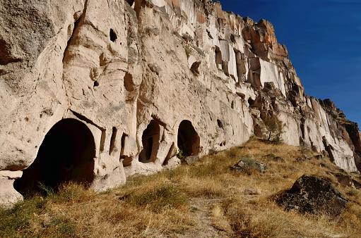 Foto de Caverna De Casas E Templos Cristãos Cortados Em Pedra Calcária Rosa  Vale De Ihlara Capadócia Gorge Turquia e mais fotos de stock de Anatólia -  iStock