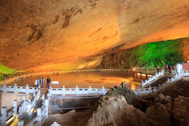 중국 운 남에 jiuxiang 지역에서 동굴. - 쿤밍 뉴스 사진 이미지