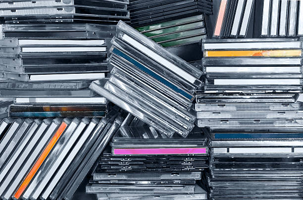 cds im regal - cd ständer stock-fotos und bilder