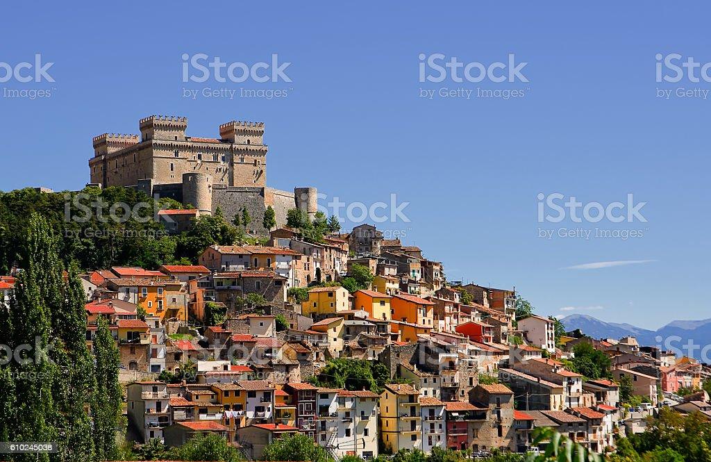 Celano and Piccolomini castle  (Italy) – zdjęcie