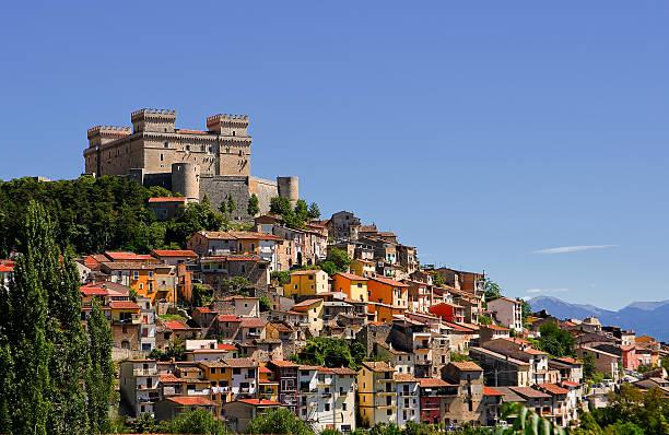 Celano and Piccolomini castle  (Italy) – Foto