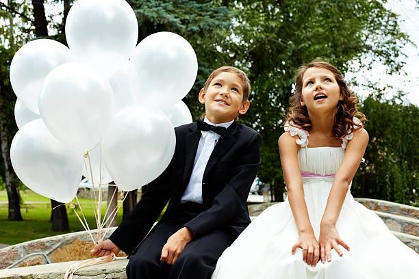celebration - hochzeitsfeier mit kindern stock-fotos und bilder