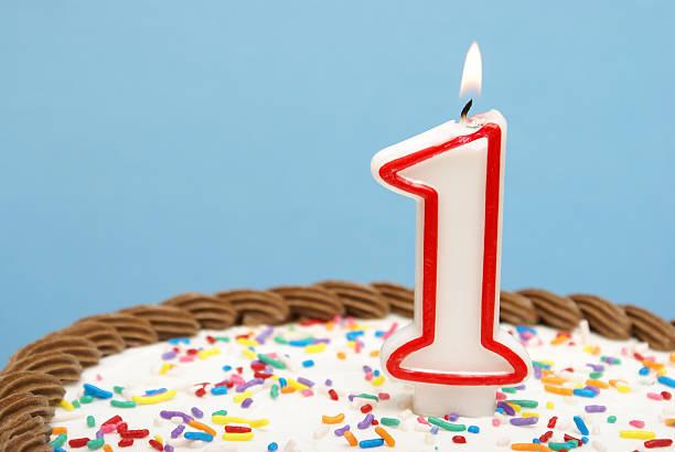 celebration - nummer 1 kuchen stock-fotos und bilder